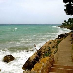 Spazierweg an der Küste